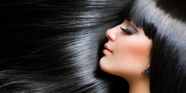 Mujer con pelo saludable