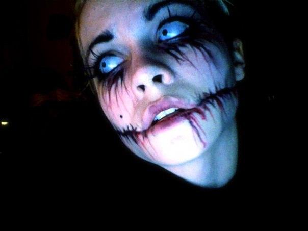 Un sexy vampiro ti aspetta per succhiarti tutto il sangue questo halloween - 2 10