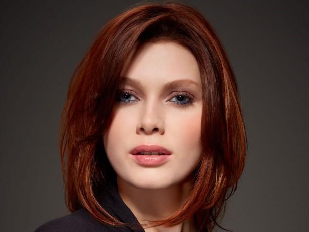 moda de color de pelo rojo-cobre