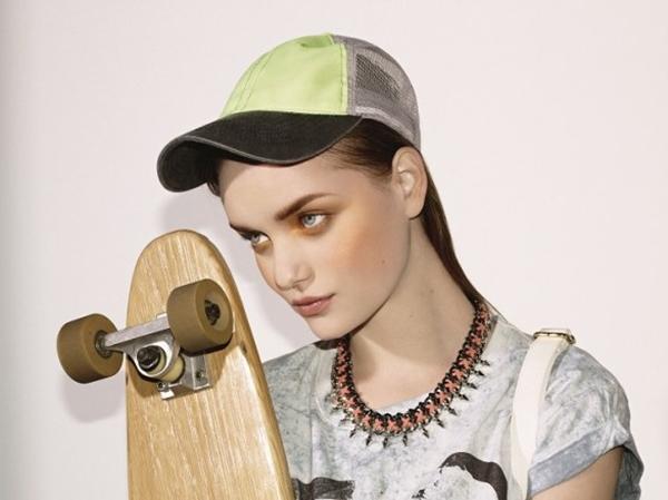 bershka-2013-sporty-chic-gorras