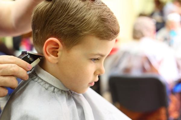 Corte de pelo de niños